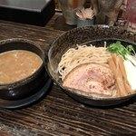 75443657 - 鶏醤油つけ麺 大盛り300g 850円(税込)