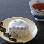 伊勢屋 - 料理写真:豆大福