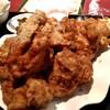 東方明珠飯店 - 料理写真:凄すぎの唐揚げ。