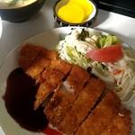 味広食堂 - 料理写真:とんかつ定食600円。