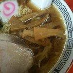 栄楽 - ラーメン 450円。鶏ガラの王道派。間違いなく江古田で一番美味いラーメン屋だ。