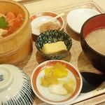 75451134 - 「サーモンとイクラの御膳」(1674円税込)