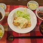 おぶせの風ユースホステル - 料理写真:夕食に栗ご飯