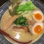 75455549 - 味玉濃熟 鶏そば (850円)