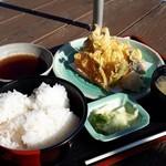 JIVA食堂 - 地魚天ぷら定食950円