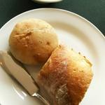フレンチレストラン Nature - ライ麦パン・フランスパン