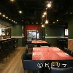黒毛WAGYU RESTAURANT HACHI - 静かな通りに佇むバルレストランで忘年会
