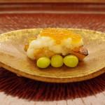 日本料理 晴山 - 焼きもの:秋鮭の親子焼き