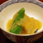 日本料理 太月 - 揚げもの:徳島産の海老芋、山科唐辛子