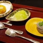 日本料理 太月 - 水菓子:黒胡麻アイス、シャインマスカット、カボチャの揚げ饅頭