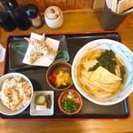 しんぺいうどん - 料理写真:
