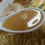 宝来軒 - 甘みのある三骨スープ