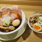 75477129 - 黒竹(800円)煮玉子(50円)焼豚丼(250円)