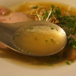 75478325 - 透き通る黄金色のスープ