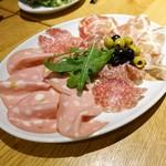 Italian Dining NATURA - ハムサラミの盛り合わせ3種