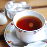 ゼルコヴァ - 食後の紅茶