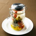 スペイン産オリーブとクリームチーズ&セミドライトマト瓶詰