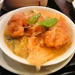 点心茶楼 遙華 - メインの鶏肉と春雨の煮込み