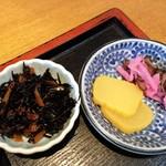 そばげん - ひじき煮とお漬物