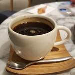 72°ジューサリー + カフェ バイ デイヴィッドマイヤーズ - コーヒー