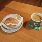 まちゅぱん - 料理写真:コーヒーとセットで