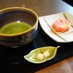 75496248 - お抹茶 ¥500  生菓子 ¥250