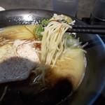 麵屋 白宗 - 鶏白湯750円+黒マー油60円