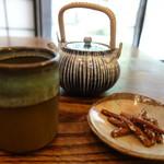 菊井 - 蕎麦かりんとうと蕎麦茶