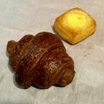 ちょいクロ - 料理写真:プチチョコクロワッサンとベイクドチーズケーキ