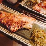 葱や平吉 - 焼魚定食のお魚 ぷりぷりで美味しかったです