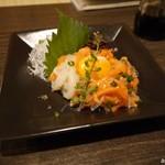 溶岩焼き×肉寿司 個室居酒屋 29house - サーモンがメインの海鮮ユッケ柚子塩風味