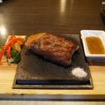 溶岩焼き×肉寿司 個室居酒屋 29house - 乙女牛の溶岩焼きステーキはお店の看板メニュー!