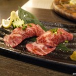 溶岩焼き×肉寿司 個室居酒屋 29house - 乙女牛の肉寿司