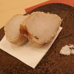 鮨 そえ島 - 海老芋を炊いて揚げてます♪