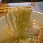 喜一 - 透明度の高いスープ