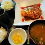 かつ処 季の屋 - 料理写真:デミチーズロースかつ膳 ご飯(白米)