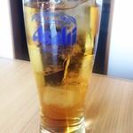 焼肉亭 - 冷たいお茶(無料サービス)