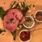トラットリア パッツォ - 信州米豚と季節野菜のソテー!