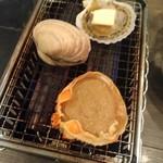二六丸 - 浜焼き(大アサリ、蟹味噌、ホタテ)