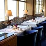 パノラミックレストラン ル・ノルマンディ - 雰囲気の良いレストランでした ゆったり寛げる椅子もいいですね
