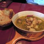 バル デ エスパーニャ セロ - 魚料理はシーフードのアヒージョ