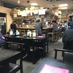 春日食堂 - 店内をパシャ 平日の11時半