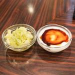 京橋屋カレー - キャベツの酢漬けとヨーグルト