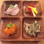 マロ ガレット アンド キッシュ - 前菜盛り合わせ(S)