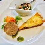 Kokoro - 前菜(旬野菜のキッシュ・イベリコ豚と牛肉のパテ・たこと春菊とレンズ豆のサラダ)