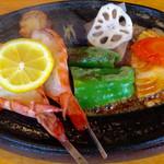 かもめ屋 - 料理写真:「えび ランチ」(1780円)。これにライスとみそ汁、ミニサラダが付く。