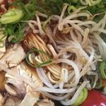 新福菜館 - ラーメンのアップ