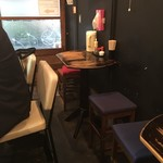 新福菜館 - 店内テーブル席