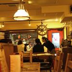 ロブスター&シャンパン Ebizo - テーブル席