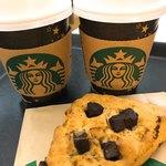 スターバックス・コーヒー - 料理写真:コーヒー&スコーン